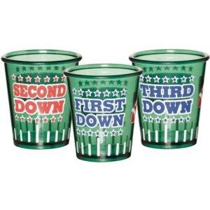 Drei grüne Schnapsgläser Super Bowl Party
