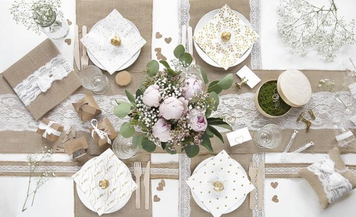 Romantische Tischdeko mit Jute
