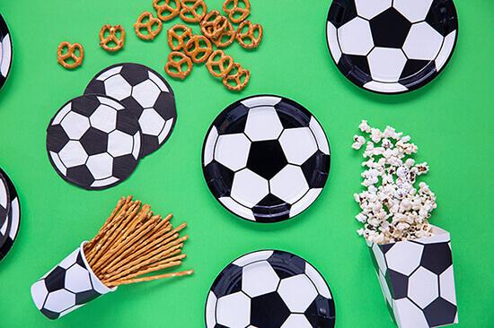 Fußball Tischdekoration Fußball teller und Popcorn