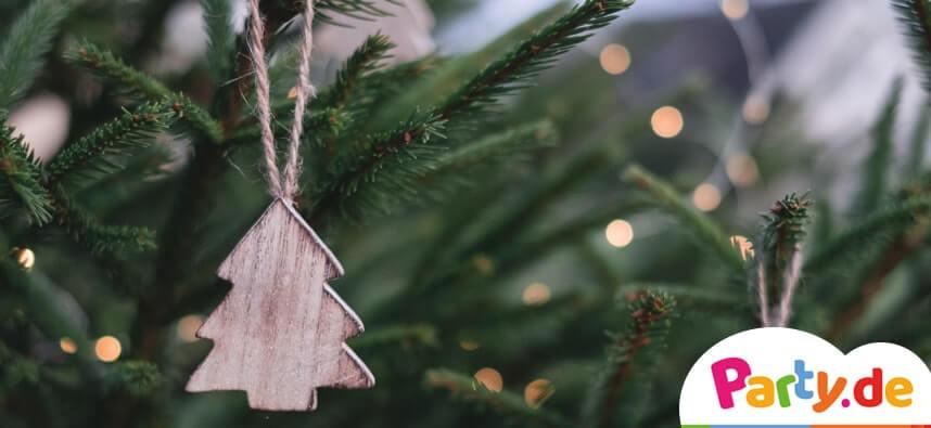 Geschmückter Tannenbaum für den Heimnachtsmarkt